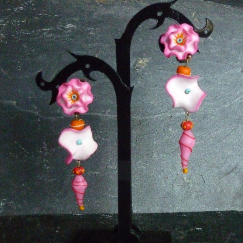 boucles d'oreilles églantines roses longues