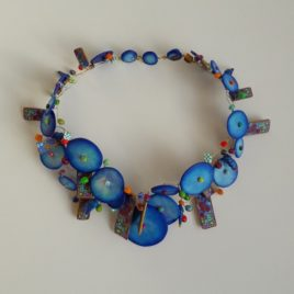 collier tableau bleu